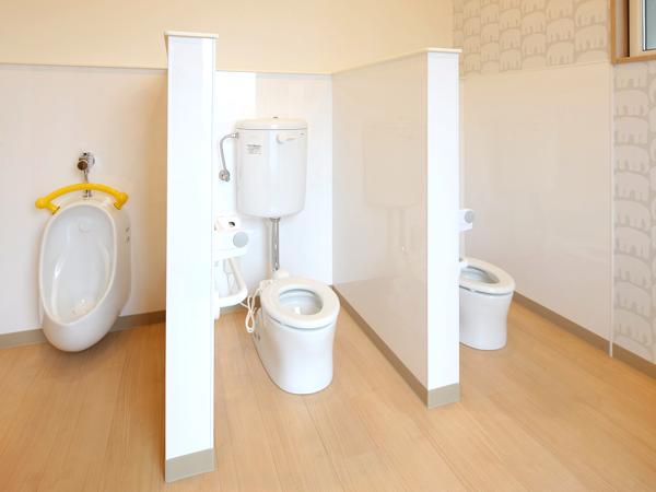 施設内観 トイレ